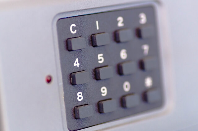 クレジットカードの暗証番号は何回間違えるとロックがかかる!?