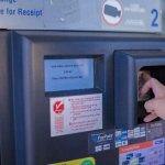 海外でクレジットカードから現金を引き出す際のやり方と注意点